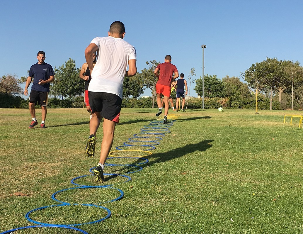 training.png_0002_אימון_קבוצתי_בפארק_2
